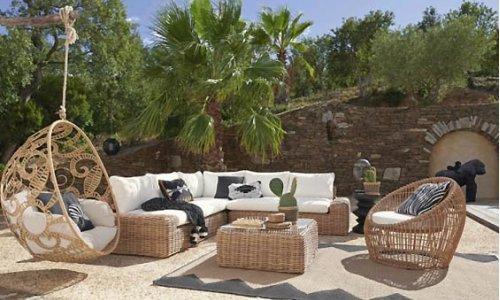 Δημιούργησε το απόλυτο cozy σκηνικό στον κήπο ή… στην ταράτσα του σπιτιού σου!