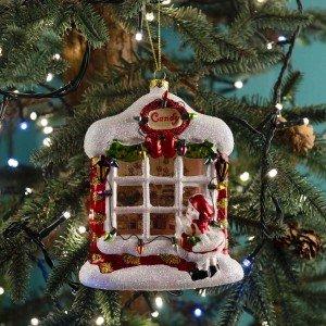 Χριστουγεννιάτικο κρεμαστό στολίδι σε κόκκινη και λευκή απόχρωση σετ δύο σχεδίων σπιτάκι και ζαχαροπλαστείο 14 εκ