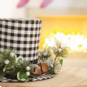 Επιτραπέζιο διακοσμητικό καπέλο καρώ με λευκά berries 18 εκ