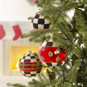Χριστουγεννιάτικες μπάλες σε τρία σχέδια σε ασπρόμαυρο καρώ και κόκκινο χρώμα σετ των τριών 10 εκ