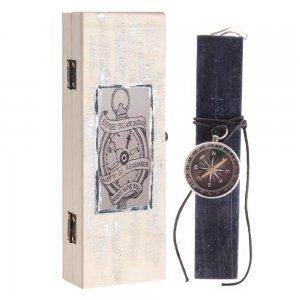 Λαμπάδα Πασχαλινή σε χειροποίητο κουτί και πυξίδα 7x4x22 εκ