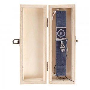 Λαμπάδα Πασχαλινή I need more Space σε ξύλινο κουτί 7x4x22 εκ