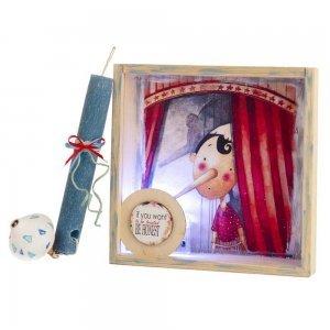 Λαμπάδα πασχαλινή με θέμα τον Πινόκιο σε χειροποίητο κάδρο με φως 22x5x22 εκ