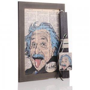 Πασχαλινή αρωματική λαμπάδα Einstein με χειροποίητο πινακάκι από ξύλο 23x33 εκ