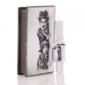 Charlie Chaplin Πασχαλινή αρωματική λαμπάδα με χειροποίητο διακοσμητικό κουτί 25x13x7 εκ