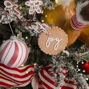 Παιδικό Όνειρο Gingerbread ολοκληρωμένη διακόσμηση Χριστουγεννιάτικου δέντρου με 118 στολίδια