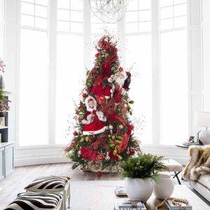 The Christmas Couple ολοκληρωμένη διακόσμηση Χριστουγεννιάτικου δέντρου με 100 στολίδια