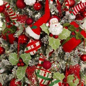 The Christmas Kiss ολοκληρωμένη διακόσμηση Χριστουγεννιάτικου δέντρου με 134 στολίδια