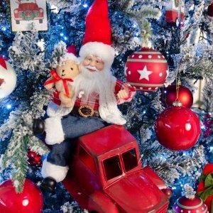 Παιδικό Όνειρο Travelling Santa ολοκληρωμένη διακόσμηση Χριστουγεννιάτικου δέντρου με 100 στολίδια