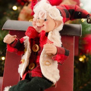 Travelling Elf έτοιμο στολισμένο Χρισουγεννιάτικο στεφάνι full plastic με λαμπάκια 120 εκ