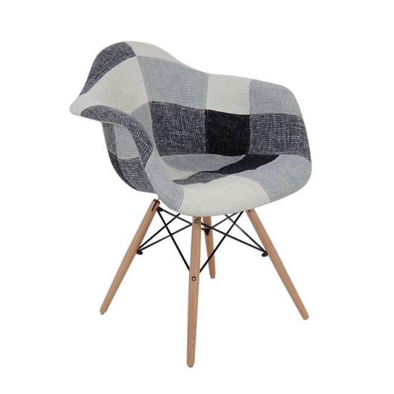 Alea Wood πολυθρόνα pp με ύφασμα patchwork σε λευκό και μαύρο συνδυας μό