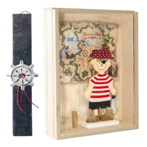 Πασχαλινή αρωματική λαμπάδα σε χειροποίητο κουτί με μικρό πειρατή 22x7x29 εκ