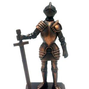 Μεταλλική μινιατούρα και ξύστρα ιππότης