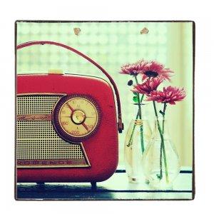 Vintage Ξύλινο Χειροποίητο Πινακάκι Ραδιόφωνο και λουλούδια 32x32 εκ