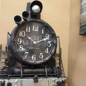 Ρολόι τοίχου μεταλλικό σε σχήμα τρένου 35x12x48 εκ