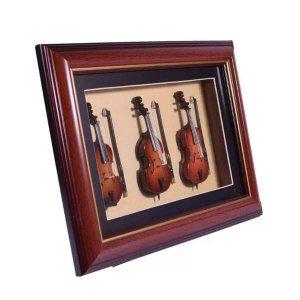 Καδράκι διακοσμημένο με μινιατούρες βιολί μπάσο β&