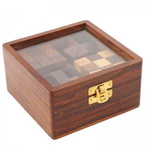 Τετράγωνο ξύλινο κουτί με κύβους παζλ