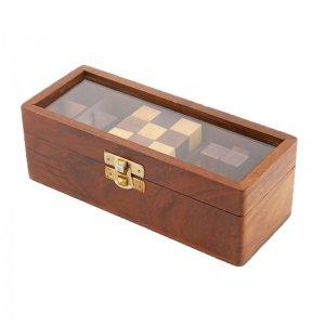 Παζλ κύβοι σε ξύλινο κουτί