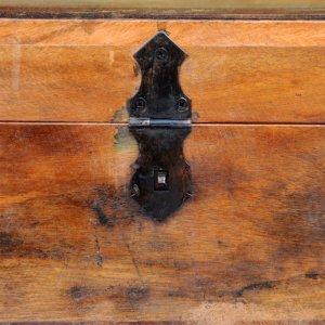 Μπαούλο Αποθήκευσης από Ανακυκλωμένο Μασίφ Ξύλο